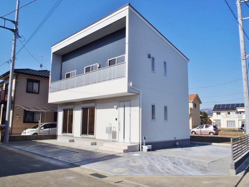 スタイリッシュなフォルムの家 / 開成町